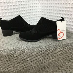Blondo Ankle Boots Waterproof Impermeable 6.5 NWT